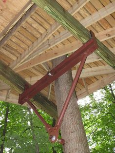 Hardware based largely on zipline technology has revolutionized treehouse design and construction, says Mooney (photo by Brian Bull)