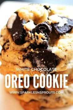Take a favorite and transform it into a delicious cookie that everyone is sure to love...plus they come together in no time making them perfect for a quick afternoon treat! . #oreo #cookies #whitechocolate #sparklesnsprouts