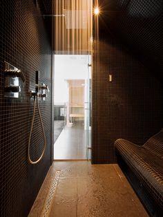 Bouwkundig stoombad | maatwerk stoombad | Stoomcabine bouwen | Bodyfit Bathroom Design Small, Bathroom Interior Design, Mosaic Bathroom, Master Bathroom, Bathroom Fixtures, Bathroom Flooring, Home Steam Room, Steam Room Shower, Sauna Room