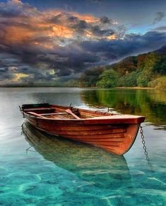 Small fishing boat – A small fishing boat in an Austria's lake. What a perfect place to relax in absolute calm ❤️ – Landscape Art, Landscape Paintings, Landscape Photography, Nature Photography, Small Fishing Boats, Small Boats, Beautiful Places, Beautiful Pictures, Boat Art
