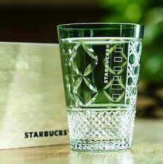 """タンブラーやグラス、コーヒーカップなど、スターバックスにはさまざまなアイテムが販売されています。そんな中、あまり知られていない""""幻のアイテム""""と呼ばれるグラスがあるのをご存知ですか?「墨田区でしか買えない」伝統とのコラボ、その噂のアイテムをご紹介します。"""