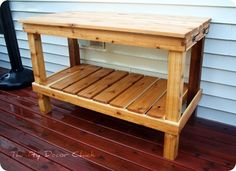 DIY cedar wood potting bench you can whip up yourself! See how at Thrifty Decor Chick! DIY cedar wood potting bench you can whip up yourself! See how at Thrifty Decor Chick! Potting Bench Plans, Potting Tables, Outdoor Potting Bench, Diy Garden Table, Diy Garden Furniture, Garden Benches, Concrete Furniture, Diy Bank, Thrifty Decor Chick