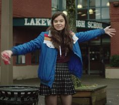 """Hailee Steinfeld in The Edge of Seventeen (2016), as awkward and """"angsty teenage misfit"""" Nadine, who is also emotional, perceptive, bright and sensitive. Therapist Sharon Barnes says these positive traits make some people she counsels feel like """"outsiders and aliens."""""""