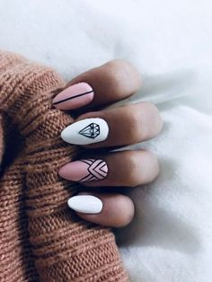 Diamond Nails: 30 Nail Designs with Diamonds 30 Beautiful Diamond Nail Art Designs Stylish Nails, Trendy Nails, Cute Nails, Hair And Nails, My Nails, Oval Nails, Diamond Nail Art, Diamond Nail Designs, Diamond Design