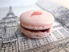 A pink heart on a macaron and Paris. Macarons, Laduree Paris, Anna And The French Kiss, French Macaroons, Raspberry Macaroons, I Love Paris, Pink Paris, Paris Paris, So Little Time