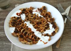 Manti or mante is a traditional Armenian dish; the closest Lebanese or Syrian equivalent to manti is shish barak, yet they are definitely not the same! To make manti, you need the patience o… Armenian Manti Recipe, Armenian Recipes, Lebanese Recipes, Irish Recipes, Beef Recipes, Armenian Food, Armenian Culture, Recipies, Small Desserts