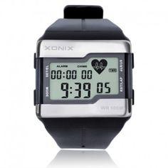 Une montre digitale de sport aux fonctions de calcule competences avancées. Le boîtier rectangle en acrylic-résine-metal abrite un Body Mass Indicator(BMI)