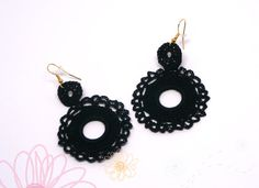 Black crochet earrings. Andalucia flamenco style. Fiber jewellery. Unique chic gift. Plastic hoop. Gypsy earrings. Handmade textil jewelry.