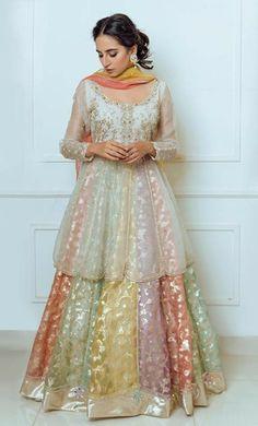 Party Wear Indian Dresses, Pakistani Fashion Party Wear, Pakistani Wedding Outfits, Designer Party Wear Dresses, Indian Gowns Dresses, Dress Indian Style, Indian Fashion Dresses, Indian Designer Outfits, Pakistani Designer Clothes