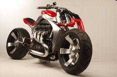 Roger Allmond custom Triumph Rocket III - Moto Tuning.com