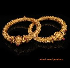 54 ideas south indian bridal jewellery earrings antique gold for 2019 Gold Bangles Design, Gold Jewellery Design, Gold Jewelry, Jewellery Earrings, Temple Jewellery, Diamond Jewellery, Silver Earrings, Bridal Bangles, Wedding Jewelry