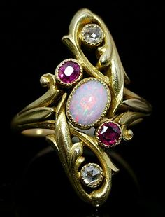 Old Ring Marquise Art Nouveau.