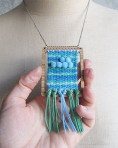 Mini weaving loom tapestry necklace pendant with shuttle