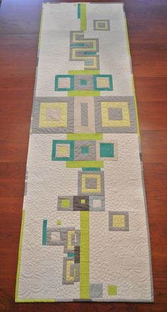 Completely lovely fabric combination :) Quilted table runner by Susan Slusser Clay #MakeitRight