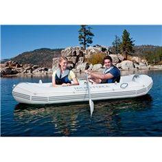 Organizza le tue vacanze e vivi il mare e il lago al massimo delle potenzialità. Con questo gommone puoi! perfetto per tre adulti ....avventurosi