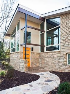 Front door - Austin Stone Mid-century Modern Exterior Design Ideas, Pictures, Remodel and Decor Mid Century Modern Door, Mid Century Exterior, Mid Century House, Modern Exterior, Exterior Design, Modern Entry Door, Entry Doors, Front Doors, Entryway