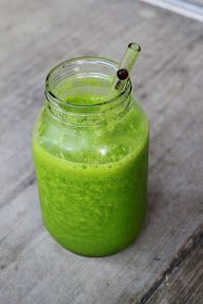 Green Smoothie for Weight Loss 1-2 bananas 1/2 cup frozen peach 1/2 cup frozen mango Handful spinach 1 cup water