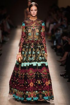 Valentino / SS 2014 / High Fashion / Ethnic & Oriental / Carpet & Kilim & Tiles & Prints & Embroidery Inspiration /