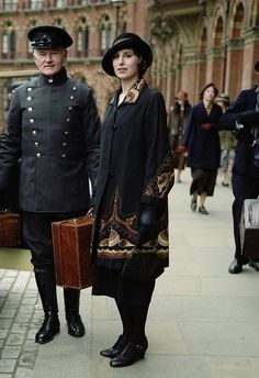 Laura Carmichael as Lady Edith Crawley in Downton Abbey (TV Series, 2013).