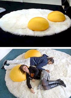 21 Cool Rugs That Put The Spotlight On The Floor - Plushies Cool Inventions, Cool Beds, Dream Rooms, Unique Furniture, Unusual Furniture, Furniture Vintage, Funky Furniture, Poufs, Cool Gadgets