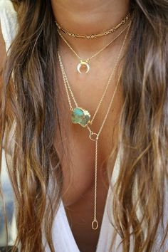Raw Gemstone Details and Elegant Gold Chain | Minimalist Boho | Gemstone Inspiration | Boho Fashion | Bohemian Hippie | Gemstone Jewelry
