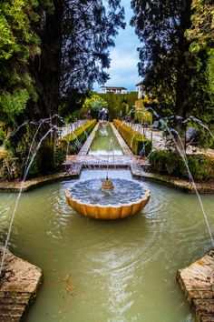 Wonderful Types Of Urban Gardening Ideas. Sensational Types Of Urban Gardening Ideas. Alhambra Spain, Granada Spain, Wonderful Places, Beautiful Places, Parks, Pond Fountains, South Of Spain, Paradise Garden, Grenade