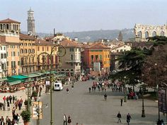 Tour beautiful Verona Italy If you are looking for a European tourist destination, consider the Veneto region of northern Italy on the Gulf of Venice. Verona Italy, Tourist Trap, Visit Italy, Northern Italy, World Heritage Sites, Italy Travel, Places To Visit, Tours, Beautiful