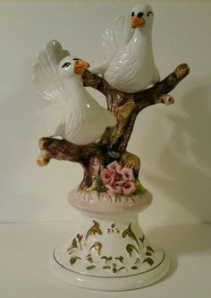 Capodimonte Porcelain Two Doves On A Flower Rose Tree Italy - Capodimonte Doves #CAPODIMONTE