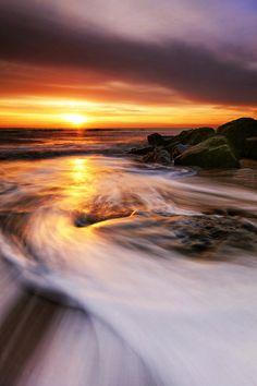 Southwold Beach Sunrise Beautiful Sunrise, Beautiful Beaches, Beautiful Scenery, Amazing Sunsets, Amazing Nature, Suffolk Coast, Beautiful Tumblr, Song Of The Sea, Mysterious Places