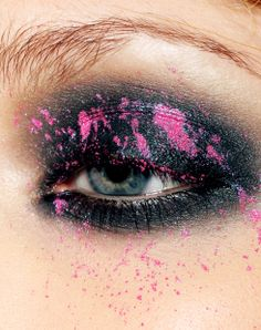 Sam Fox in Lime Crime. Pink splatter     Lime Crime, magic dust, medusa, abracadabra, #hotpink, #black, eyeshadow