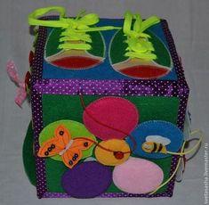 Educatief speelgoed handgemaakt.  Bestellen Ontwikkelen kubus.  Svetlana.  Fair Masters.  Educatief speelgoed, draad, knoppen, decoratieve