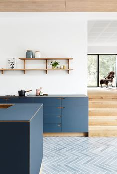 We will never grow tired of this beautiful blue kitchen 🤩 . . . #craftsmanship #design #nordichome #architecture #kitchenlife #bespokekitchen #snedkerkøkken #madeindenmark