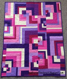 Modern Baby quilt - a finish Friday - Quilter in the Closet