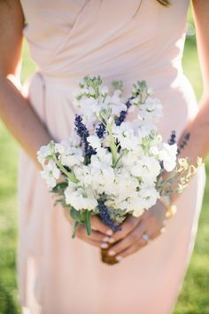 White Bridesmaids Posy | photography by http://www.shannonelizabethphoto.com/