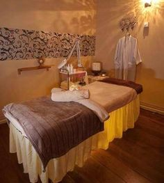 Esthetician Treatment Room | treatment room & 17 best Spa room and decor images on Pinterest | Spa rooms Spa ...