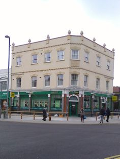 @geraldinewarner  The once Bakers Arms pub.       Now a betting shop    .Leyton.