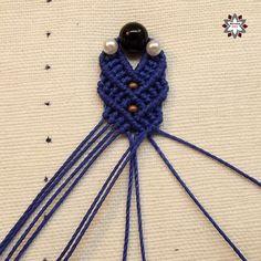 Macramotiv – Macrame tutorials, knotting, micro-macrame how-to, instructions, step-by-step Macrame Earrings Tutorial, Macrame Tutorial, Earring Tutorial, Beaded Earrings, Magic Knot, Crochet Coaster Pattern, Micro Macramé, Bracelet Crafts, Macrame Projects