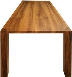 Tisch in Nussbaum massiv