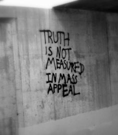 ideas wall graffiti quotes beautiful for 2019 The Words, Words Quotes, Me Quotes, Sayings, Grudge Quotes, Truth Quotes, Street Art Graffiti, Graffiti Quotes, Street Quotes