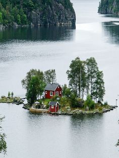Small #island in Thousand islands.