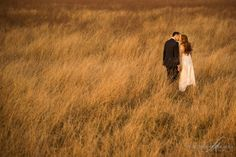 Body Poses, Wedding Venues, Wedding Photography, Studio, Instagram Posts, Animals, Couple, Photos, Wedding Reception Venues