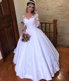 The Top Wedding Dress Trends of 2020 - New ideas Steven Khalil Wedding Dress, Wedding Dress With Veil, Top Wedding Dresses, Wedding Dress Trends, Princess Wedding Dresses, Bridal Dresses, Wedding Gowns, Pretty Dresses, Beautiful Dresses