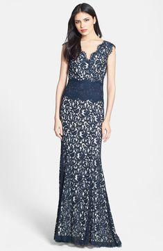 Tadashi Shoji V-Neck Lace Gown NAVY SIZE 16 #210  NWT #TadashiShoji #Formal