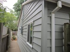 Here Are the Exterior Wall Materials Used In Building Construction: Insulated Vinyl Siding Outdoor Wall Panels, Exterior Wall Panels, Exterior Wall Materials, Exterior Cladding, Outdoor Walls, Vinyl Siding Cost, Concrete Siding, Fiber Cement Siding, Amigurumi