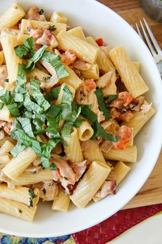 """Creamy chicken and bacon pasta with """"Rebel Red"""" wine.  @middlesiswines #MiddleSister #DropsofWisdom #ad"""