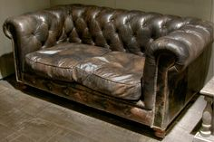 ★ vintage leather couch//please someone, just leave this on my doorstep!!