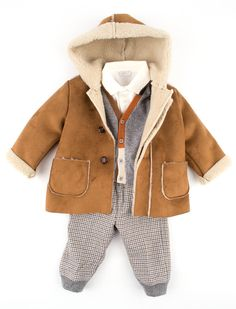 idk why i love babies in shearling so much
