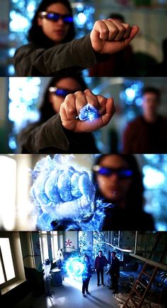 "#cisco ramon #vibe #the flash: 2x18 <<< I literally squeaked when this happened! My angel gettin to use his powers for more than ""vibing"""