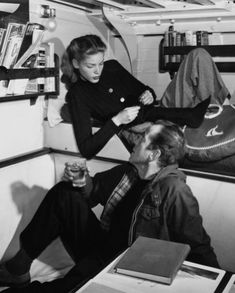 Lauren Bacall and Humphrey Bogart , if you want a real taste of American film noir and on set chemistry , get yourself a box set of the films of B+B and it will be a day well spent. Hollywood Couples, Hollywood Icons, Golden Age Of Hollywood, Vintage Hollywood, Hollywood Glamour, Classic Hollywood, Hollywood Quotes, Bogie And Bacall, Old Movie Stars