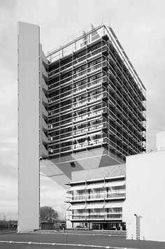 Egon Eiermann, Olivetti in Frankfurt am Main Gothic Architecture, Interior Architecture, Aldo Rossi, Brutalist, Modern Buildings, Exterior Design, Skyscraper, Frankfurt Germany, Vertigo